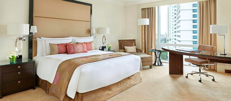 Php 13,363<br> for a Fairmont Gold Room - Fairmont Hotel Makati